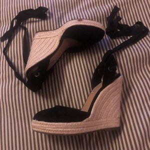 Steve Madden Wrap Around Wedges